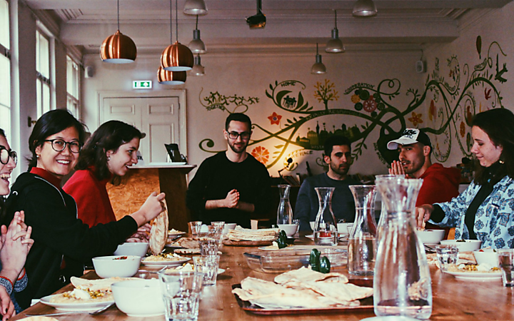 Refugee Project: Taste & Talk